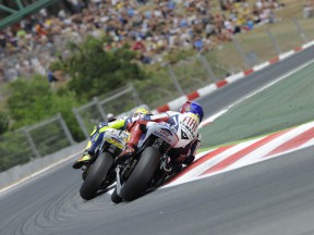 Rossi vs Lorenzo: more exclusive footage