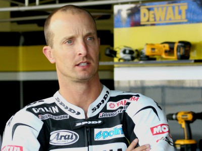Partenza falsa per Colin Edwards