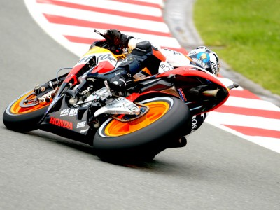 Pedrosa dashes as Hayden crashes in MotoGP warmup