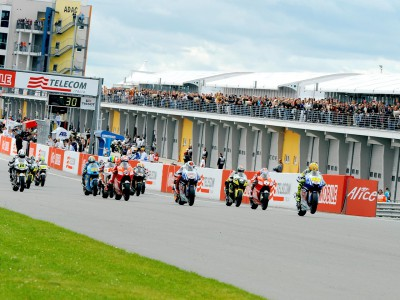 Last walk in the park as MotoGP makes Donington swansong