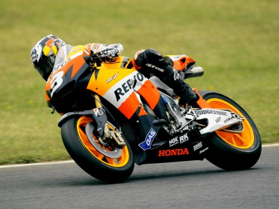 Pedrosa ups pace to head MotoGP morning session