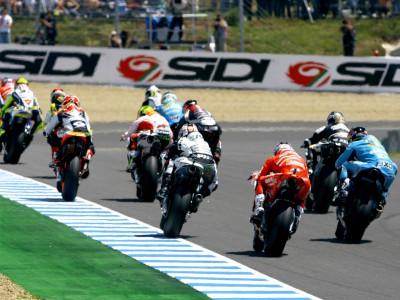MotoGP regressa à acção em Brno depois de breve paragem de Verão