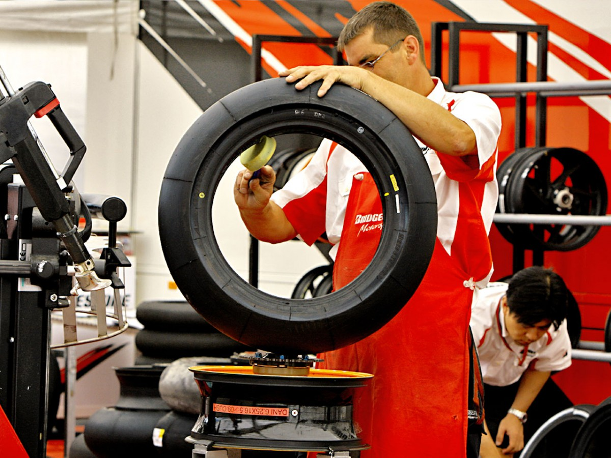 Brno's long and abrasive track affects tyre choice