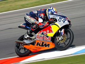 Kornfeil takes win and Rookies Cup after five-man fight