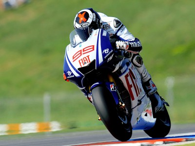 Lorenzo fastest in morning session at Brno test