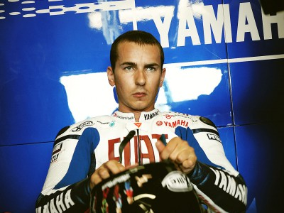 Lorenzo to remain with Fiat Yamaha in 2010