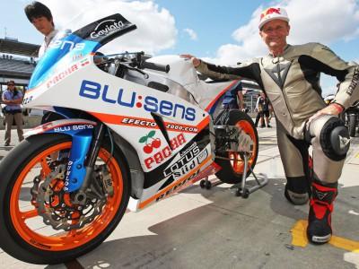 K.シュワンツ、Moto2マシンを試乗