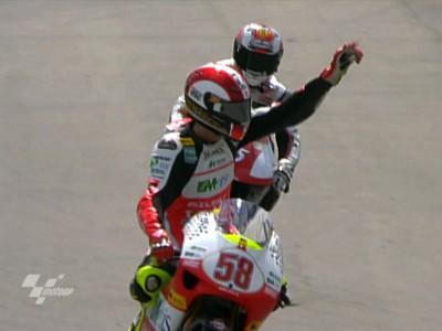 Simoncelli pone más presión con su cuarto triunfo del año