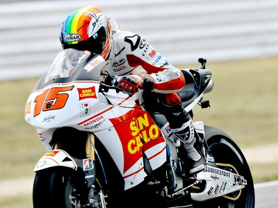 De Angelis maintains good pace at home