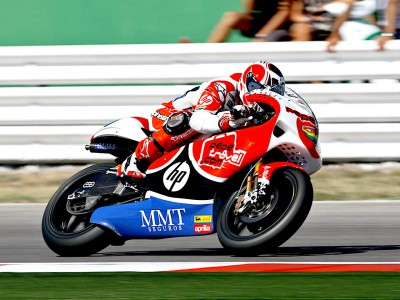 Barberá marca el ritmo en el warm up de 250cc