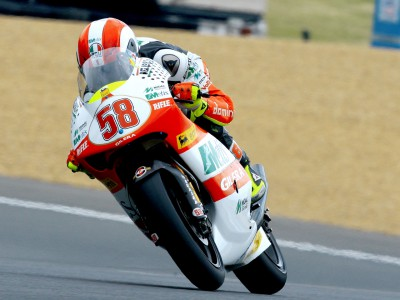 Simoncelli davanti nel warm up in Portogallo