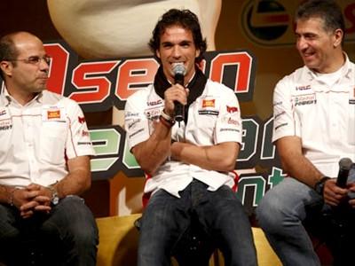 El Team Gresini hace parada en Bangkok camino de Sepang