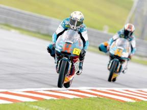 Simón edges Smith in thrilling 125cc encounter