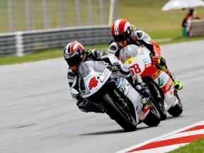 Aoyama gewinnt gewaltiges 250er-Rennen