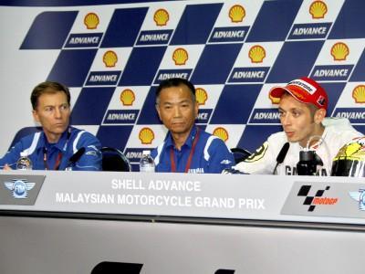 Yamaha management congratulate Rossi