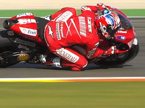 Stoner continues his form with early pace in Valencia