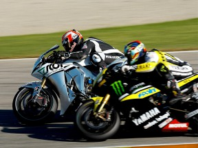 New World Champion Aoyama tests Honda RC212V