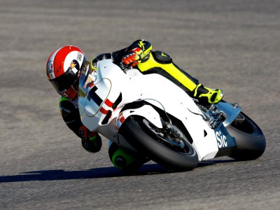 Simoncelli fastest of newcomers on first day