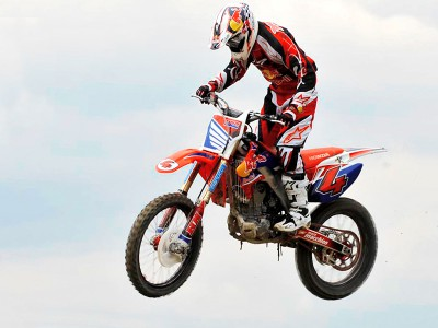 Dovizioso triumphs in charity motocross event