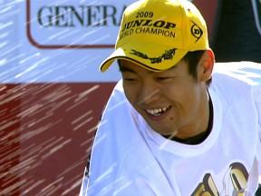 Aoyama schaut auf siegreiche letzte 250ccm-Saison zurück