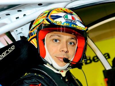 V.ロッシ、ラリーレースに参加