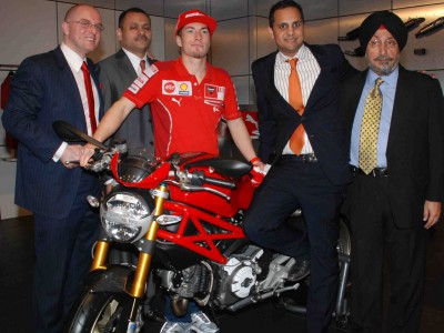 Nicky Hayden opens the second Ducati Showroom in India