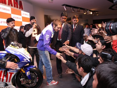 Valentino Rossi voyage en Inde avec Yamaha