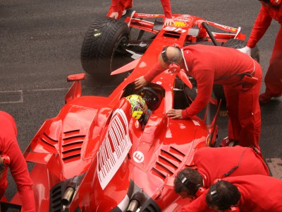 Positive first day in Ferrari for Rossi