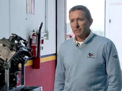 テクニカルディレクターがMoto2エンジンを説明