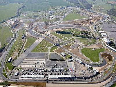 Silverstone inaugura il nuovo circuito da GP