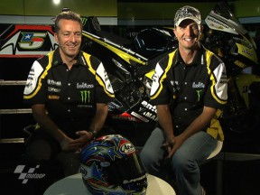 Tech3 team talk with Edwards and Poncharal