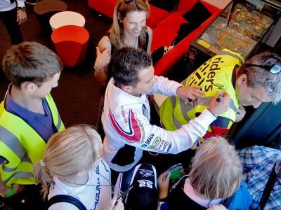 De Puniet et Cecchinello soutiennent Riders for Health à Silverstone