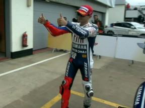 Lorenzo conquista su primera pole del año en Silverstone