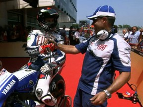 Lorenzo on pole after pulsating Catalunya qualifying