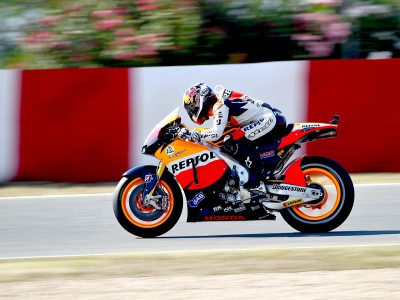 Pedrosa picks up the pace in warm up