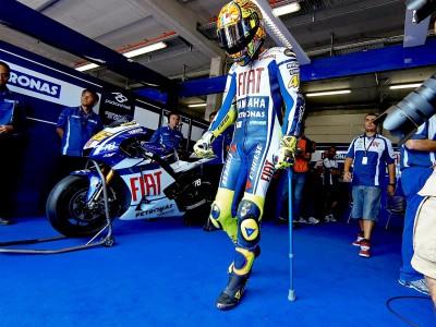 Rossi e Dainese trabalham juntos no regresso do italiano