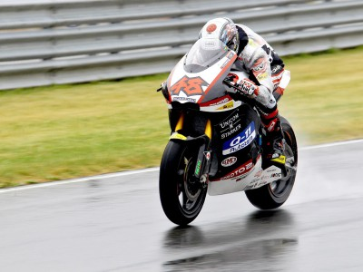 Tomizawa tops Sunday early run