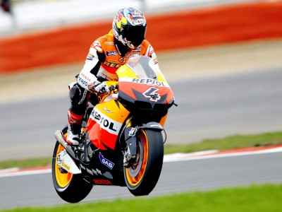 Dovizioso surges forward in warm up