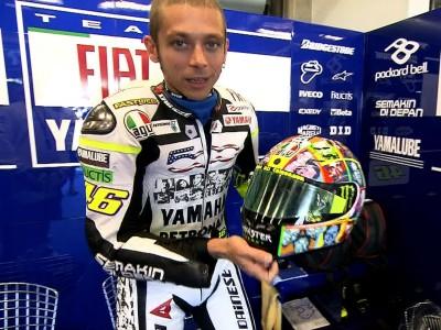 Rossi a Laguna con un casco nuovo