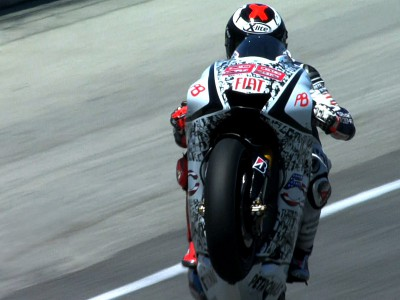 Victory for Lorenzo at Laguna Seca extends Championship lead