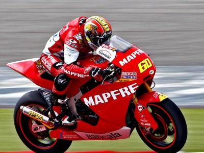 Simón se sitúa al frente de Moto2 en el warm up