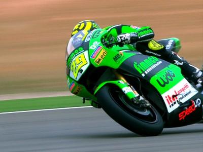 Iannone prend la pole Moto2 à Aragón