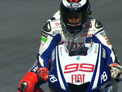 Lorenzo leads the way at Estoril on day one
