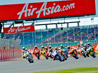 Early prices still available for 2011 Silverstone tickets
