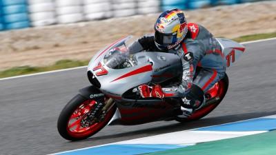 Mahindra debutta in Qatar