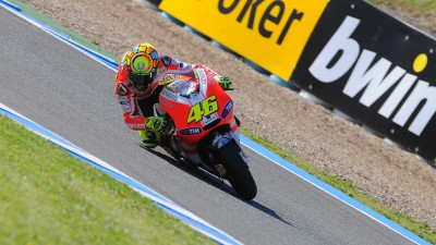 Good pace for Rossi, Hayden 11th in QP