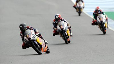 Oettl et Sissis remportent les deux premières courses de la Red Bull Rookies à Jerez