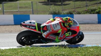 Rossi teste la Ducati Desmosedici GP12 à Jerez