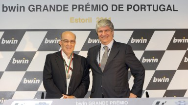 The 'Federação de Motociclismo de Portugal' rewards Carmelo Ezpeleta