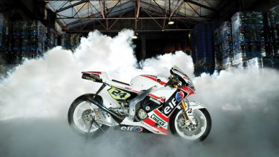 Le team LCR Honda découvre l'usine Total ACS de Givors